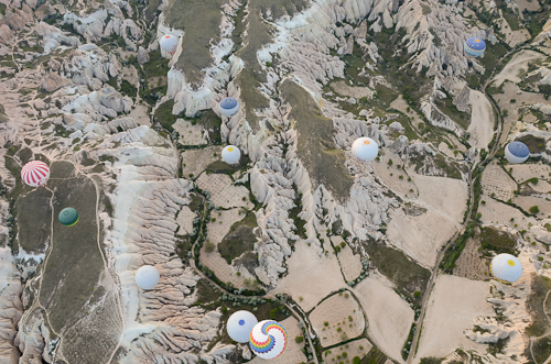 Cappadocia_hot air balloons-bird's eye