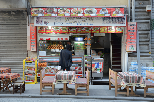 Istanbul_typical street eatery