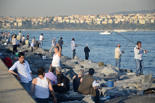 Istanbul_Fishermen along Bosphorus