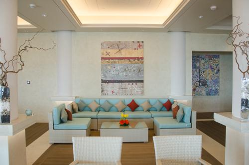 Fairmont Palm Hotel & Resort